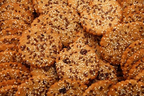 """""""Viktorija"""" oatmeal cookies with raisins, sunflower seeds, sesame seeds, and linseeds"""