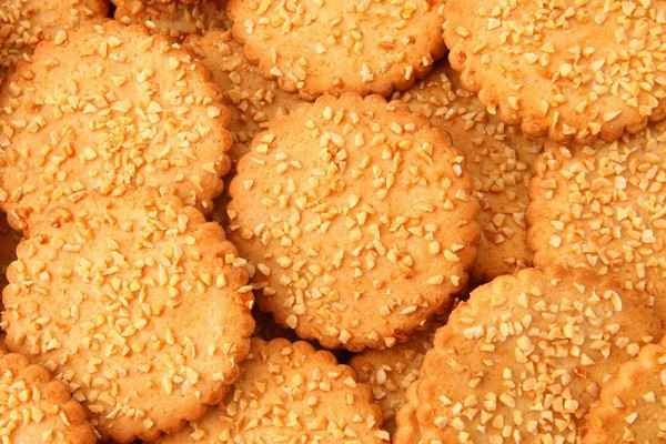 """Viktorija"" biscuits with almonds"