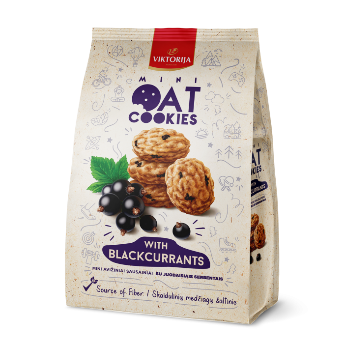 Mini oat cookies with blackcurrants