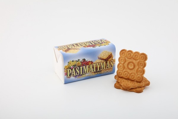 """Pasimatymas"" sugar biscuits with butter and vanilla flavors"